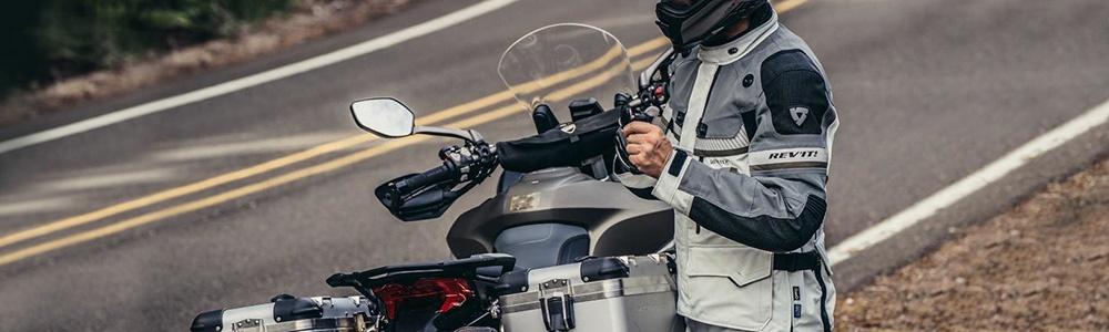 KURTKI MOTOCYKLOWE, tekstylne kurtki motocyklowe, kurtki na motocykl, materiałowe kurtki motocyklowe